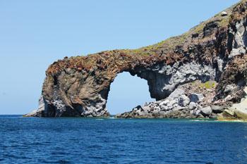 Arco roccioso di Pollara Salina