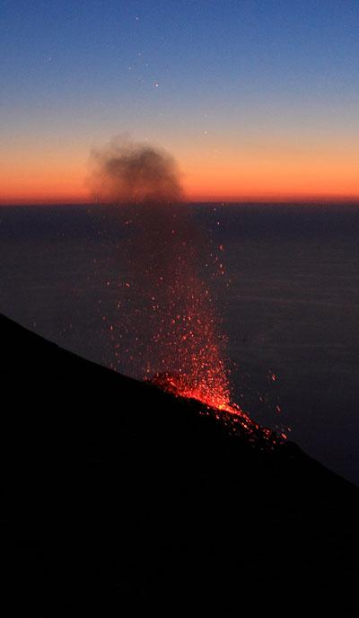 Lo Stromboli in eruzione