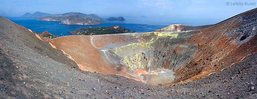 il cratere di Vulcano Isole Eolie