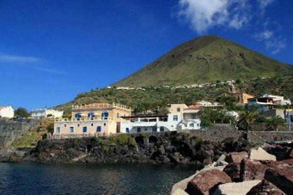 Hotel-abergo-Salina-Rinella-Isole-Eolie